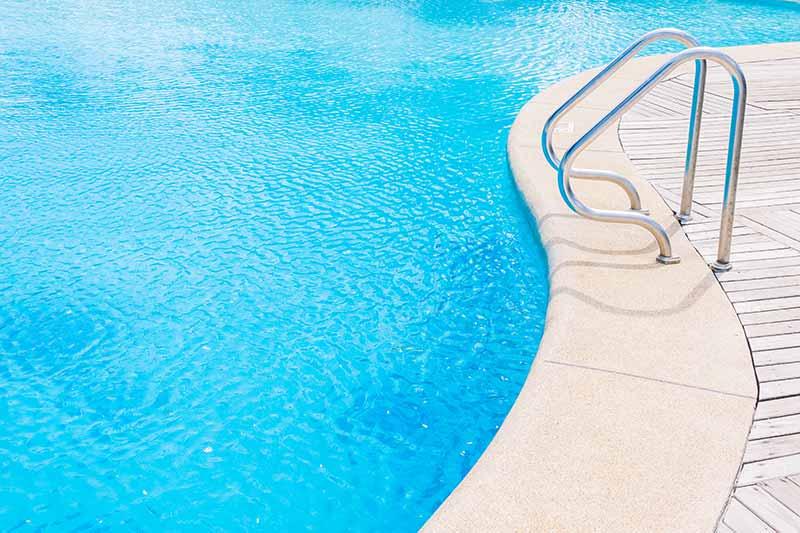 Errores que no debes cometer en tu piscina este verano 2021